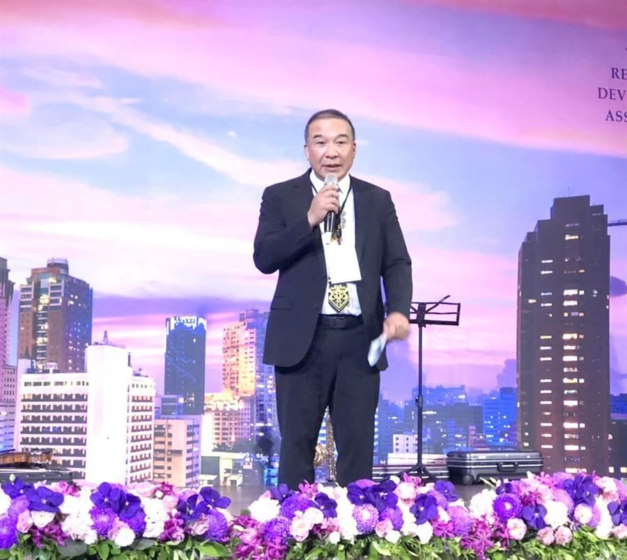 富旺國際開發董事長林正雄接掌台中市不動產開發公會理事長。(盧金足攝)