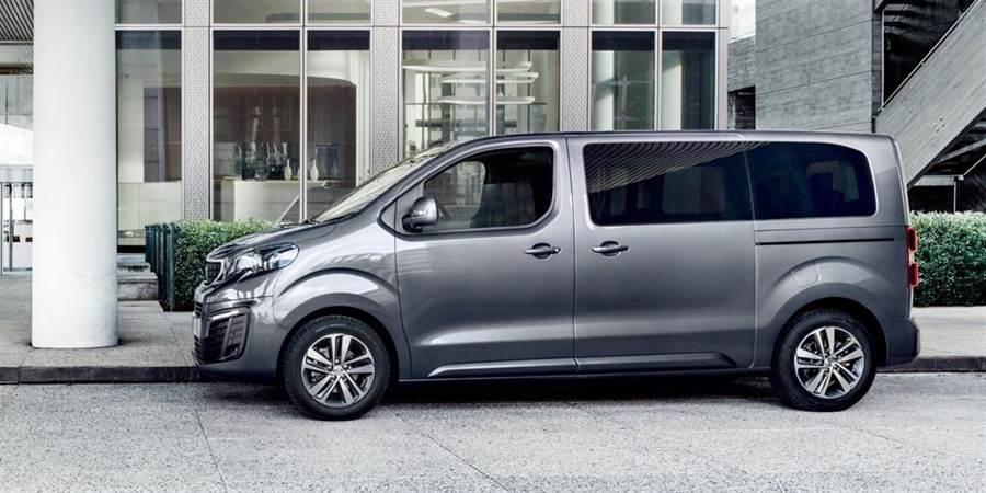 PEUGEOT TRAVELLER有4.9m、5.3m兩種車長選擇,售價149.8萬元起。(PEUGEOT提供)