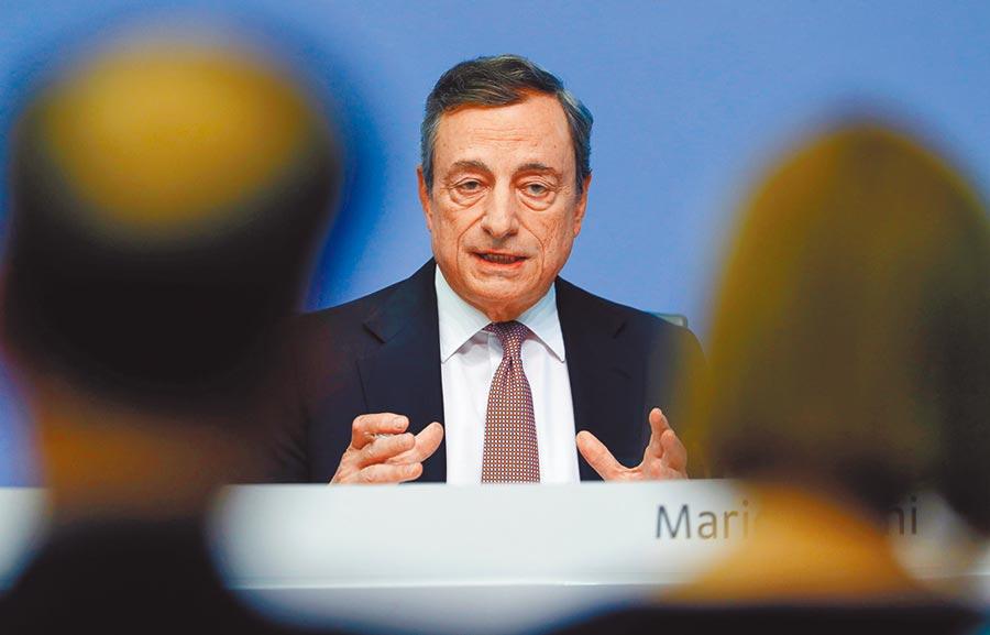 ECB總裁德拉吉近幾周已透露,若經濟指標指向成長持續低迷,不排除就會再推QE。圖/路透
