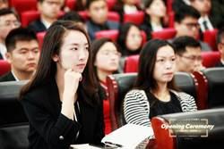 台灣人在大陸》在霸氣女總裁身邊實習的日子