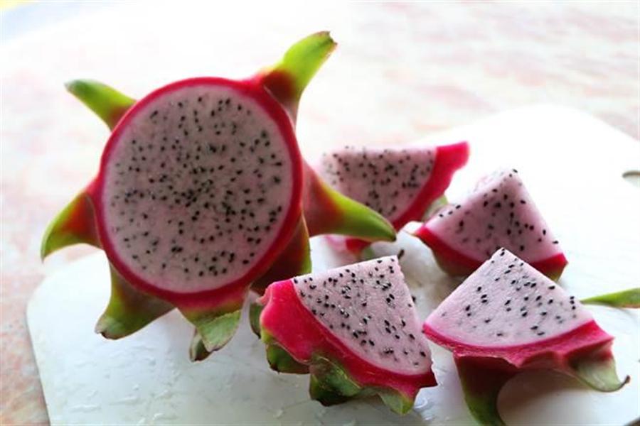 火龍果乃水果界的「排便聖品」,其功效連營養師都說超猛 (圖/本報資料照)