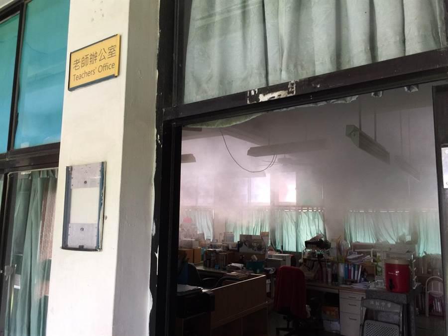 台南市新增1登革熱境外移入,已針對個案活動地進行化學防治。(台南登革熱防治中心提供)
