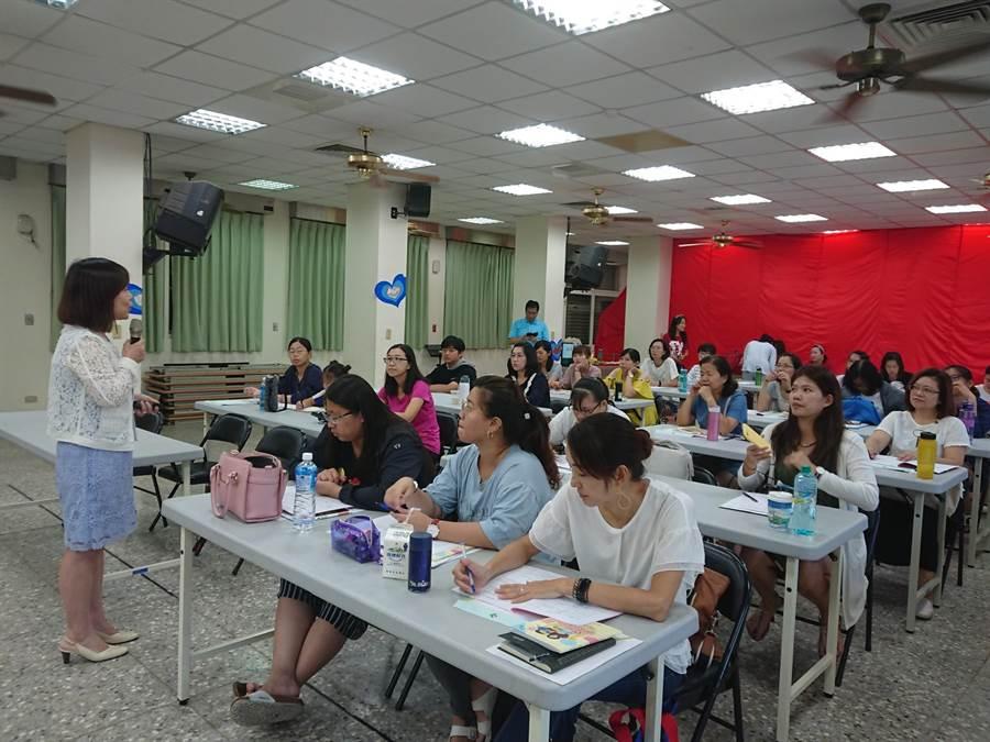 台中市「幼兒園教師研習」登場,培訓家庭教育種子教師,深耕孩子未來。(陳世宗翻攝)
