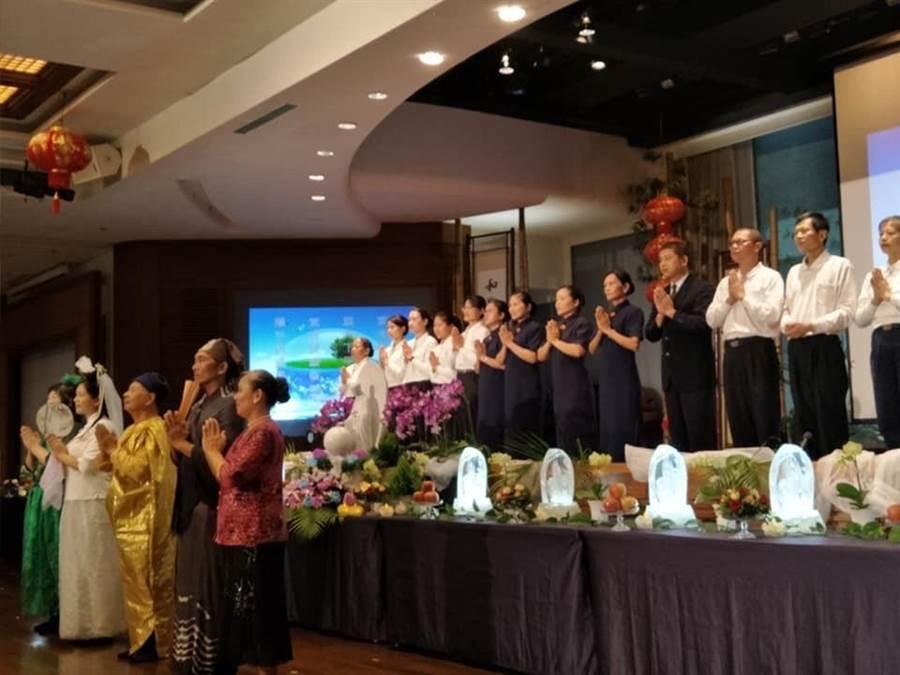 慈濟彰化靜思堂舉辦七月吉祥月祈福。(吳敏菁攝)