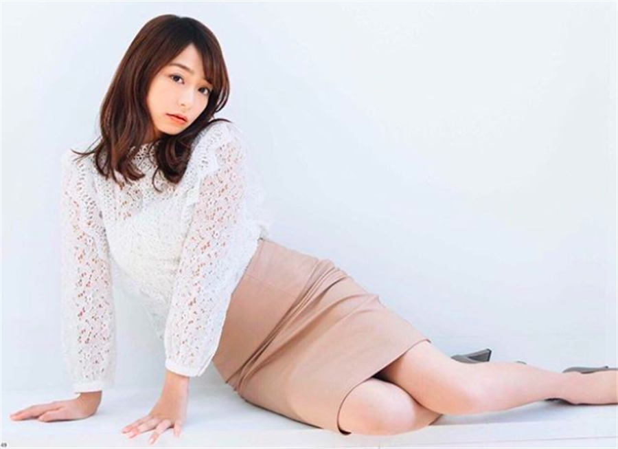 上戶彩同門師妹宇垣美里從新聞界轉型演員,頗受矚目。(取材自IG)