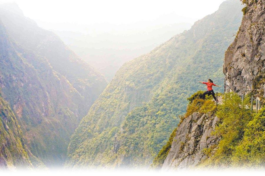 太魯閣國家公園內有海拔765公尺的錐麓古道,遊客可登高飽覽令人屏息的壯麗峽谷景色。(太魯閣晶英酒店提供)