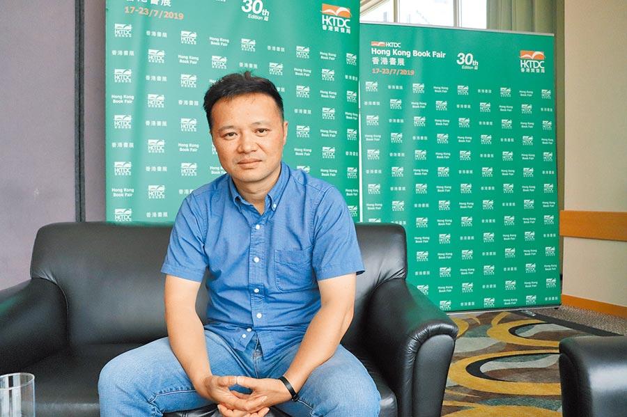 大陸導演陸慶屹在香港書展期間接受本報專訪。(記者呂佳蓉攝)