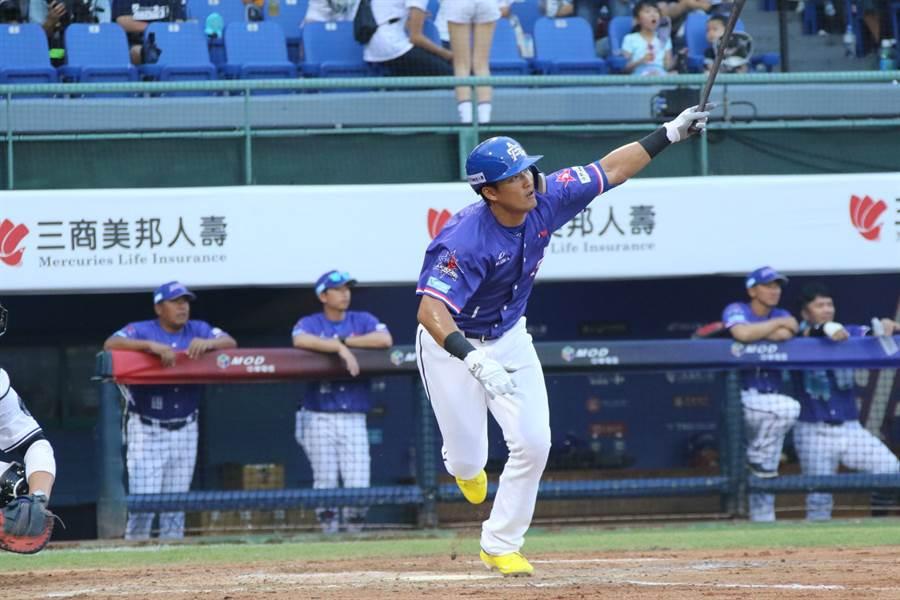 林哲瑄昨日首次對決「業餘王牌」吳昇峰,認為他的球不好攻擊。(富邦悍將提供)