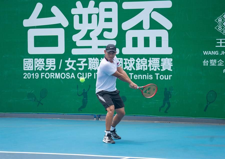 「小胖」楊宗樺在台塑盃網球賽第二戰男單爭冠失利。(海碩整合行銷提供)