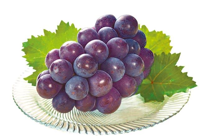 微風超市岡山比歐內葡萄禮盒700g,2550元。(微風超市提供)