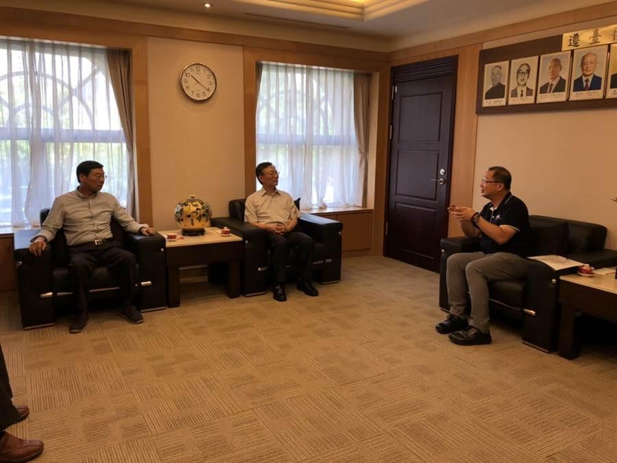 國民黨立委到最高檢察署拜會檢察總長江惠民。(國民黨立委黨團提供)