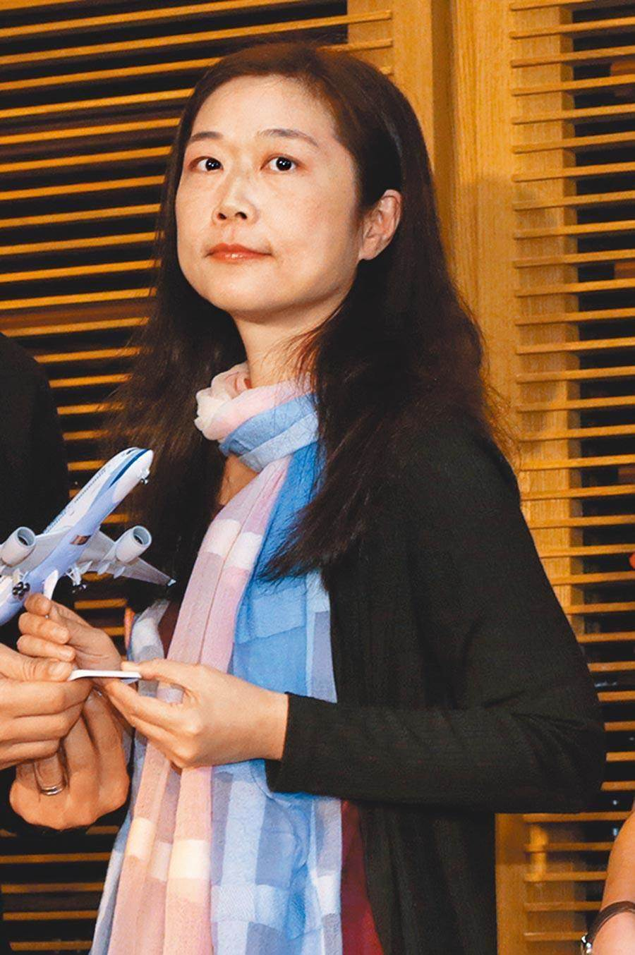 圖為華航資深副總經理羅雅美,因私菸案一事改調為董事長特助。(資料照片 華航提供)