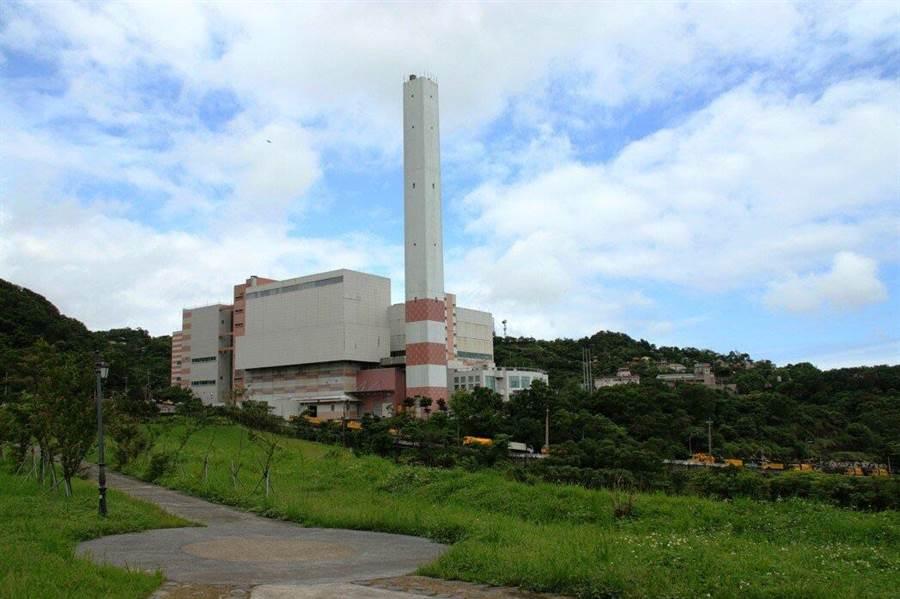基隆市天外天垃圾資源回收(焚化)廠,榮獲環保署107年度評鑑全國第1。(基隆市政府提供)