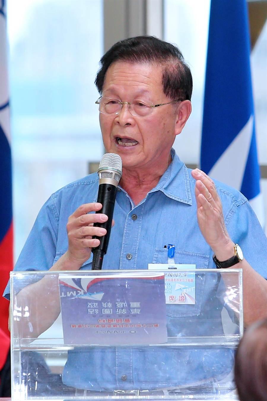 國民黨中評委趙守博要韓國瑜宣示戒酒。(黃世麒攝)
