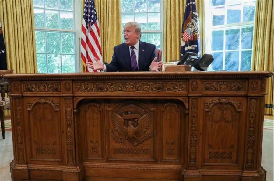 美國總統川普退出與伊朗簽訂和核協議,並決定對伊朗進行石油交易的國家進行制裁。