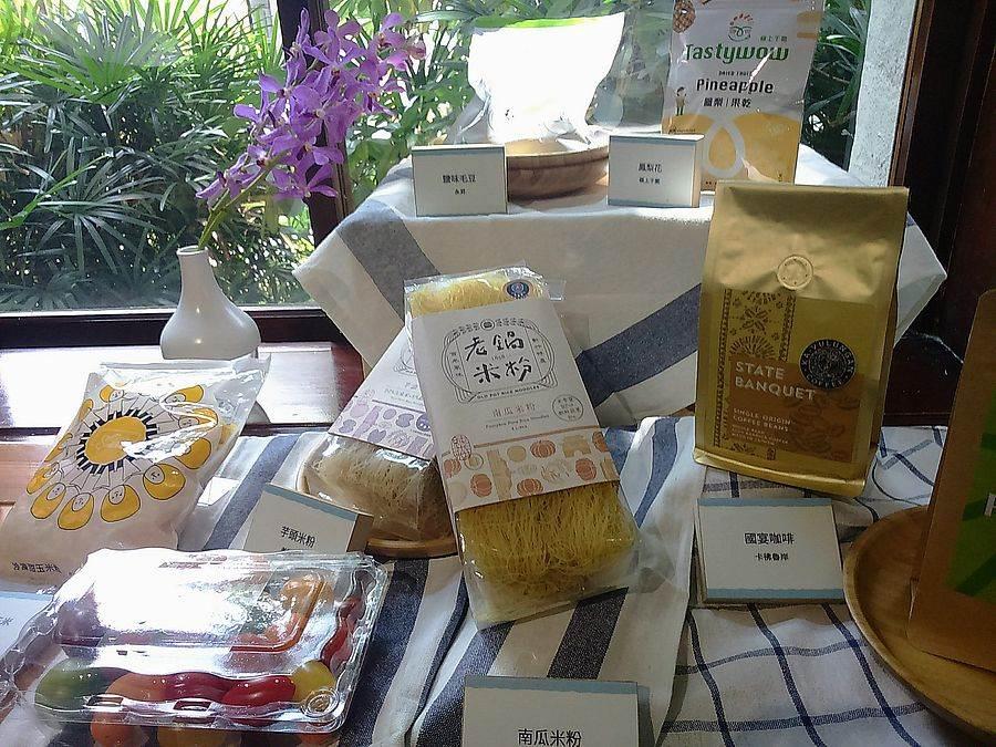 自2010年起與行政院農業委員會合作打造「TGA(Taiwan Good Agriculture)『品牌好農・行銷台灣』品牌輔導」計畫,帶動國內80個農產業者品牌化。
