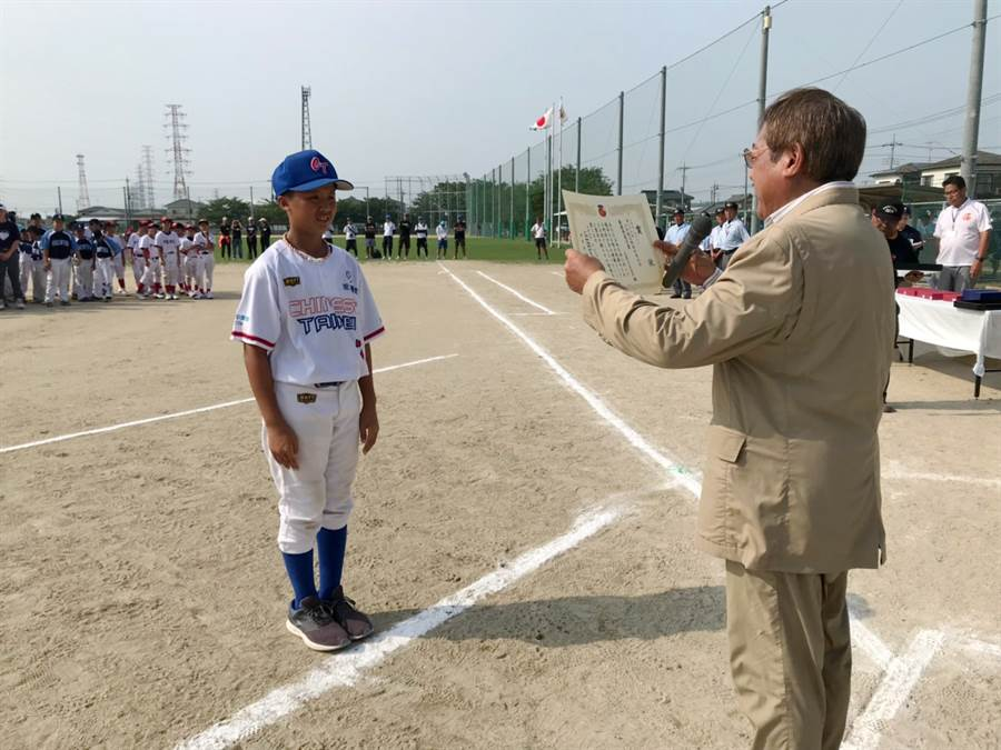 王奕翔獲大會最有價值球員。(中華民國學生棒球運動聯盟)