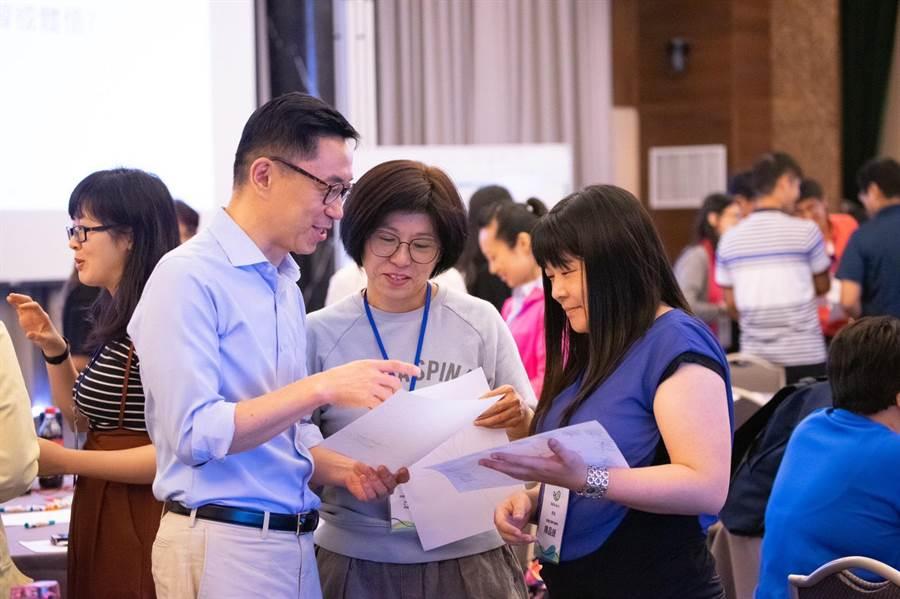 首屆技職年會學員分享討論。(教育局提供)