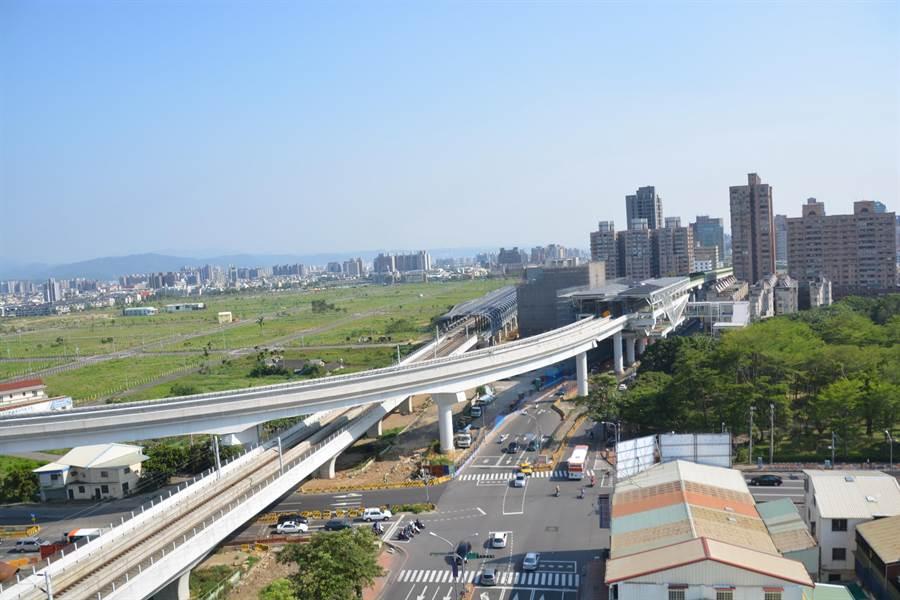 台中市鐵路高架化後,加上明年底捷運將全線通車,帶動沿線房市行情。(盧金足翻攝)