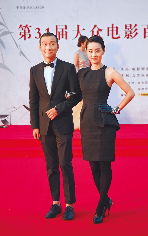 文章(左)、馬伊琍2012年曾一起登上金雞百花電影節紅毯。(資料照片)