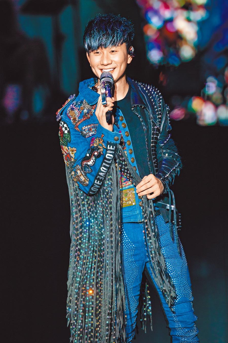 JJ前晚首度在大陸襄陽舉辦演唱會。