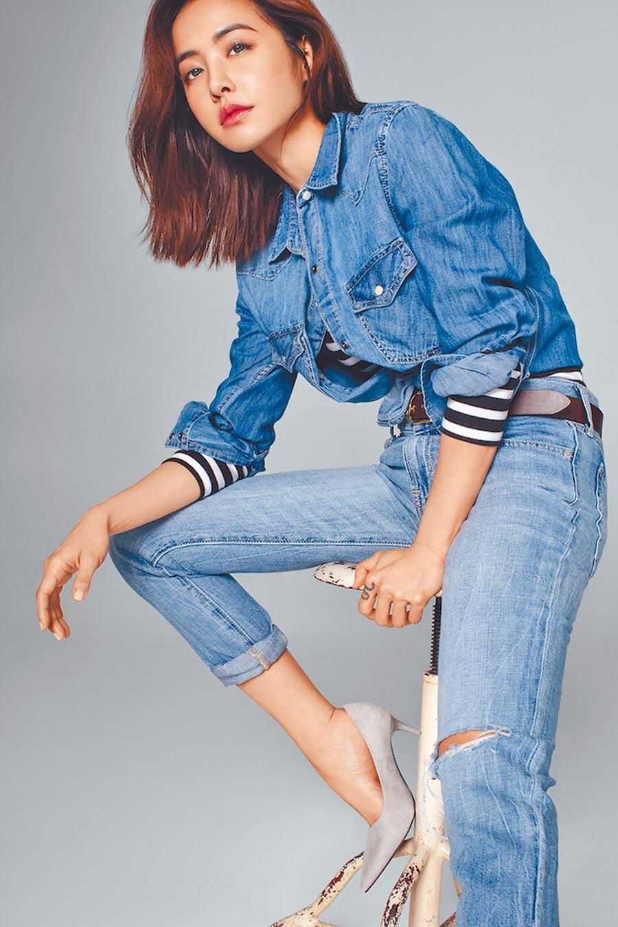 Jolin演繹Gap修身男友風牛仔褲,成為台灣丹寧風代表女星之一。(Gap提供)