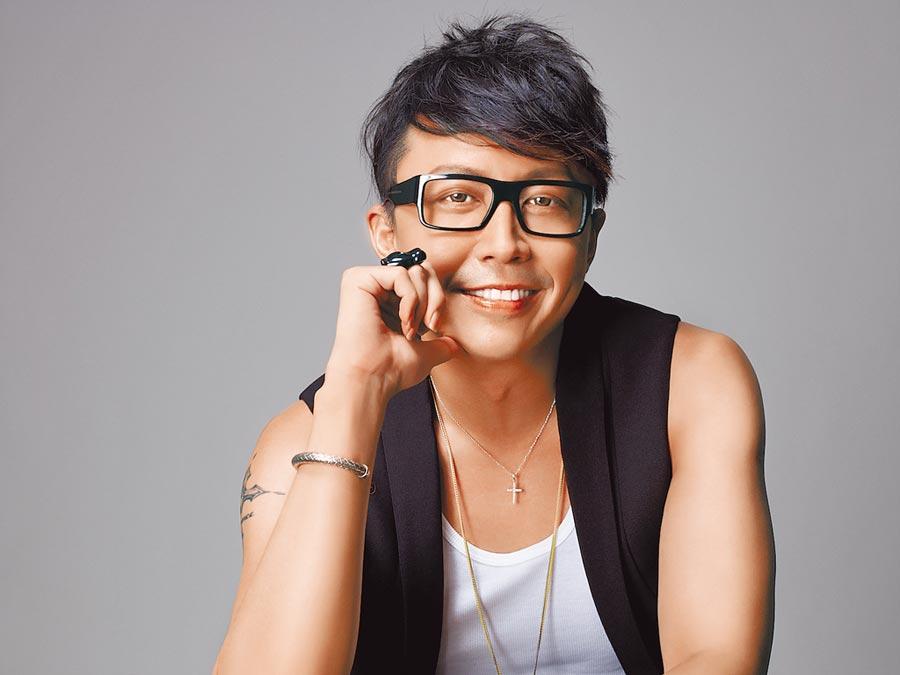 孫芸芸專屬、知名造型師劉大強表示,丹寧款從不褪時尚,近年精品品牌也推出不少高價款式。(劉大強提供)