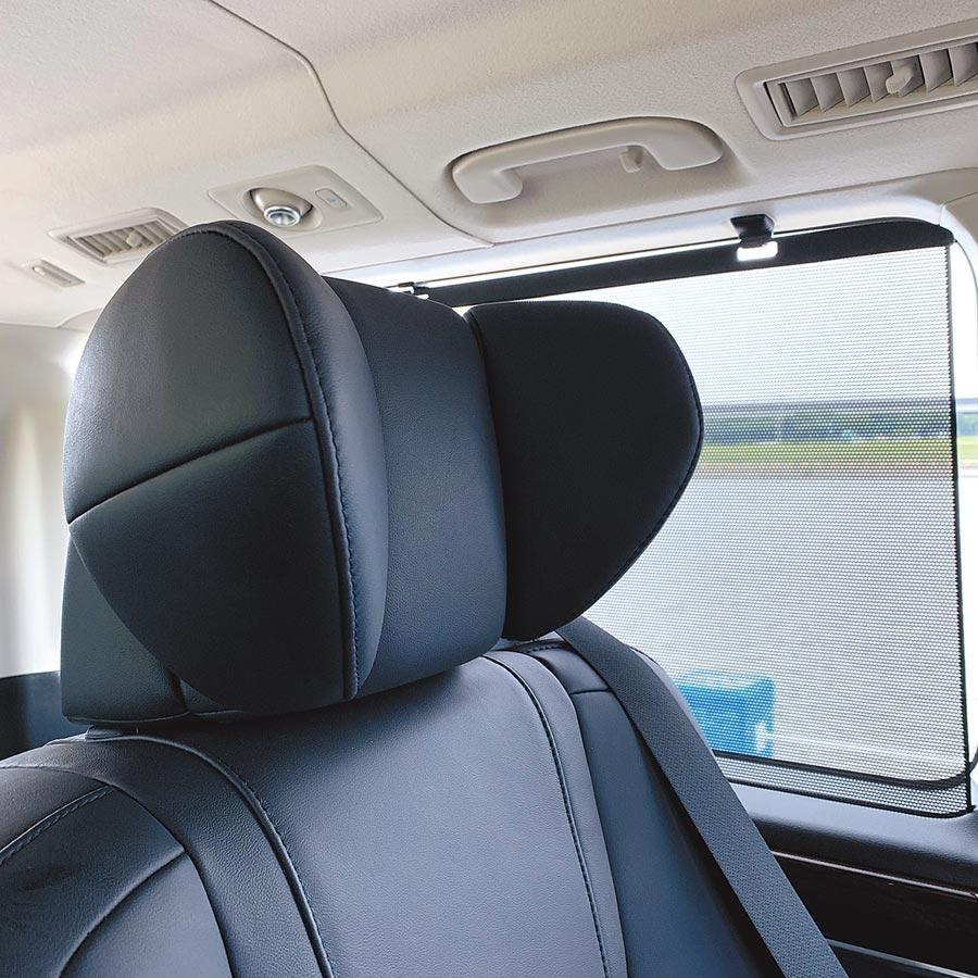 6人座旗艦座椅頭枕可做4向調整,提供更好的支撐。(陳大任攝)