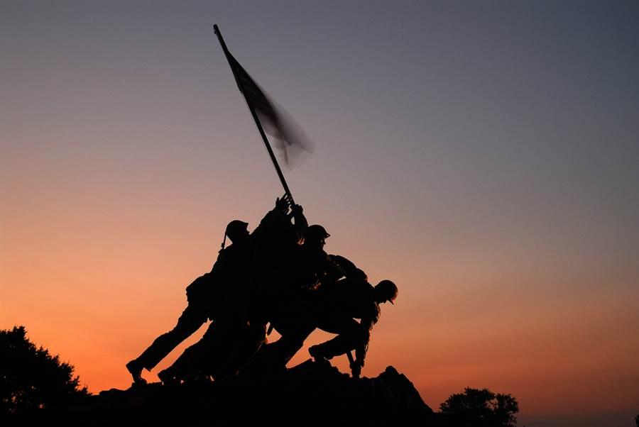 古代打仗為何不打扛旗的士兵?(示意圖與本文無關/達志影像)