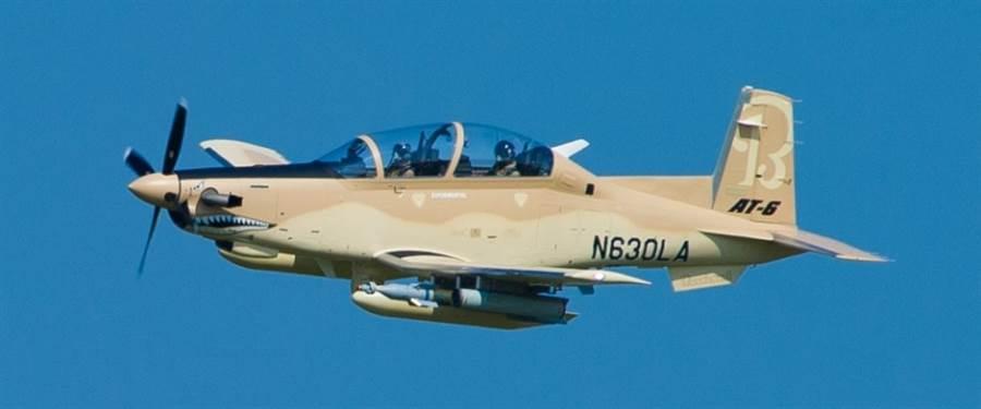 德士隆AT-6金剛狼2式。(圖/德士隆)