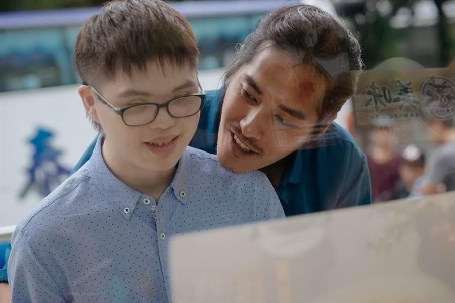 蓝正龙自导自演喜憨儿题材电影。