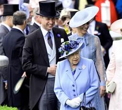 影》罕見!女王阿嬤上身 當眾追著威廉跑