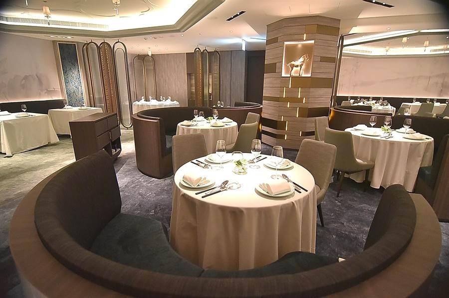 亞都麗緻大飯店館內米其林一星餐廳〈天香樓〉,硬體全面換裝升級,用餐較過去更人舒適優雅。(圖/姚舜)