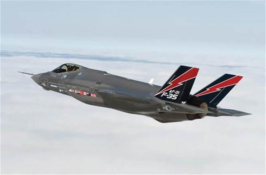 以色列空軍2018年5月22日正式宣佈,已率先讓F-35I戰機在中東投入戰鬥,成為第一個讓F-35戰機投入實戰的國家。(以色列空軍)