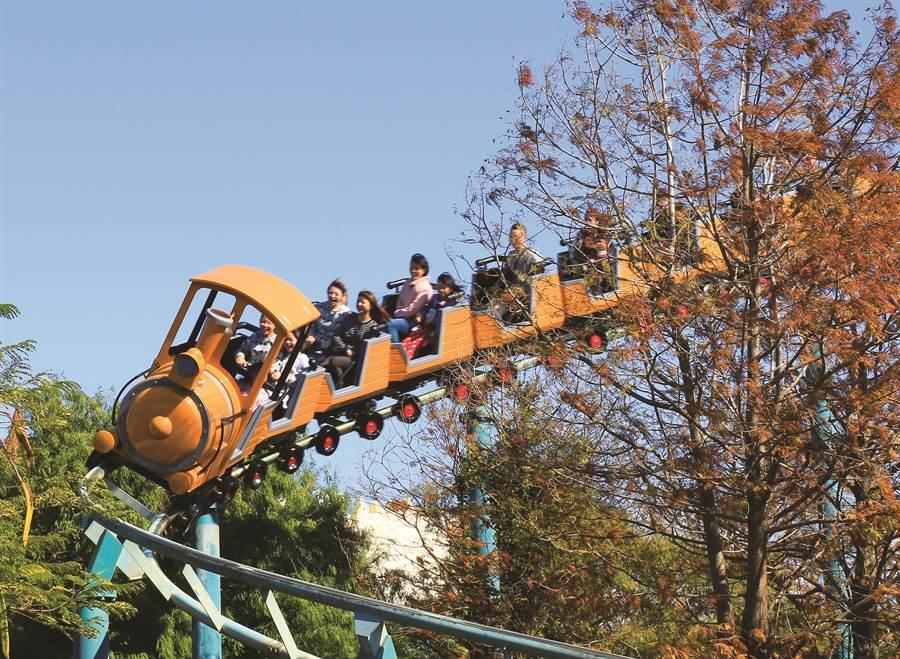 民眾快把握暑假最後1個月造訪麗寶樂園。(陳淑娥翻攝)