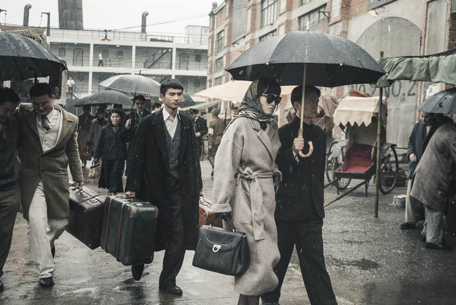 鞏俐(中)主演的《蘭心大劇院》入圍第76屆威尼斯影展主競賽單元。
