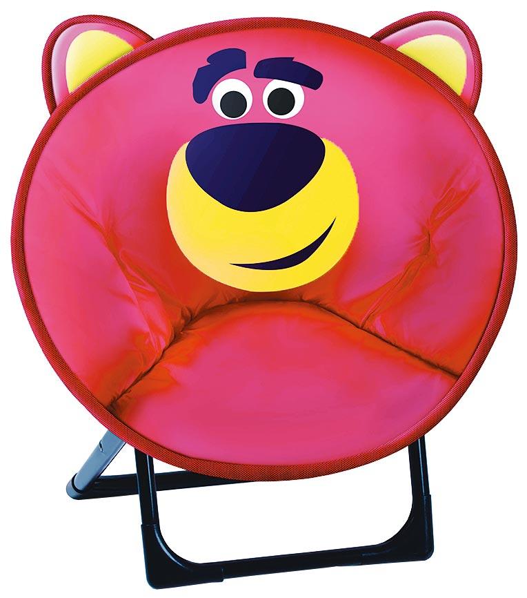 全家玩具總動員熊抱哥月亮椅。(全家提供)