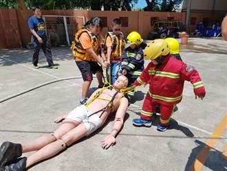 小小消防員夏令營 宣導防火防溺常識