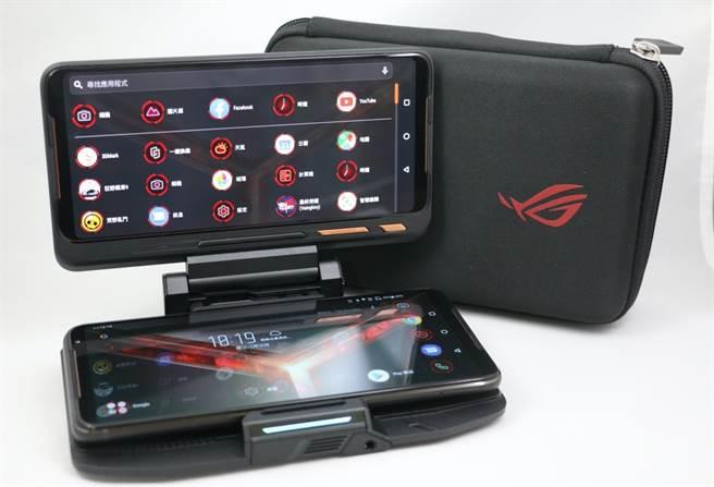 ROG Phone II全新配件:TwinView II雙螢幕基座。(圖/黃慧雯攝)
