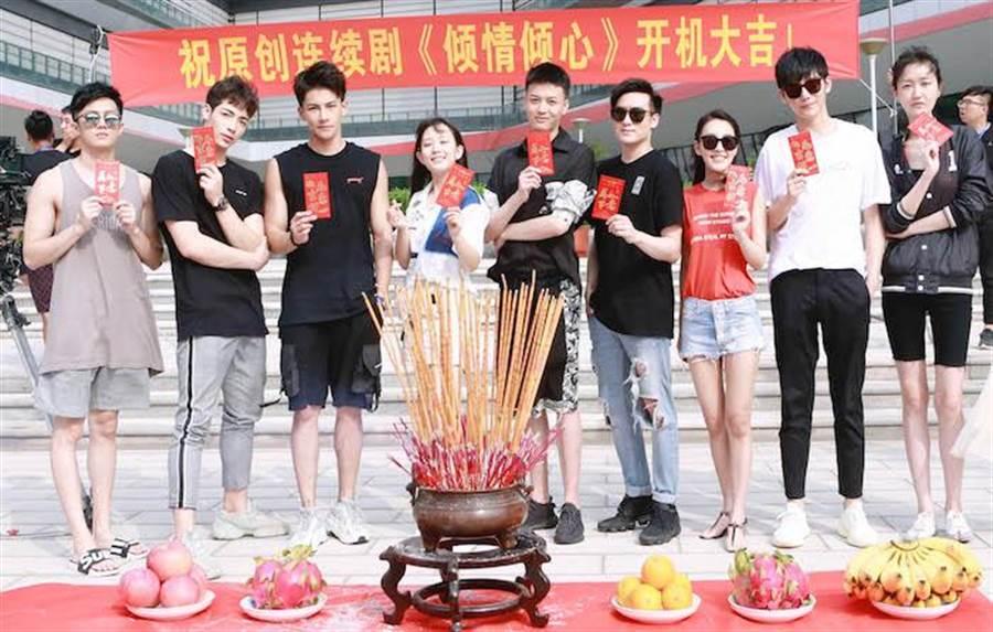 陳皓宇(左起)、黃士杰、張又瑋、熊蘇藝、李智穎、沈建宏、蔡詩羽、艾永樂。