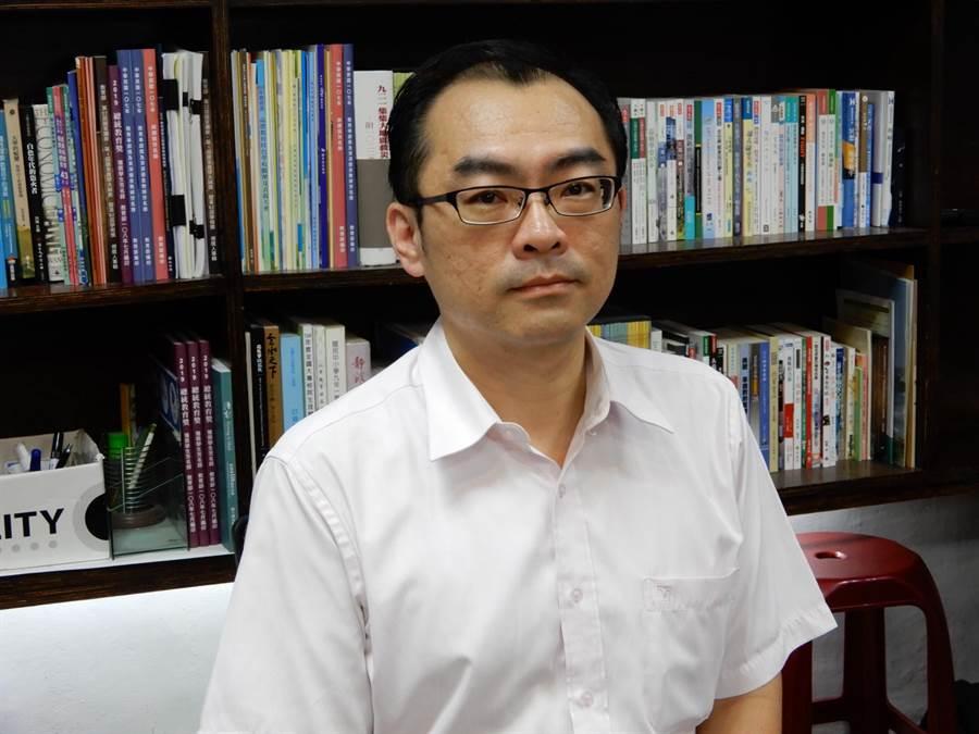 教育部技職司專門委員柯今尉表示,今天已發文南榮科大,勒令明年2月1日起停辦。(林志成攝)
