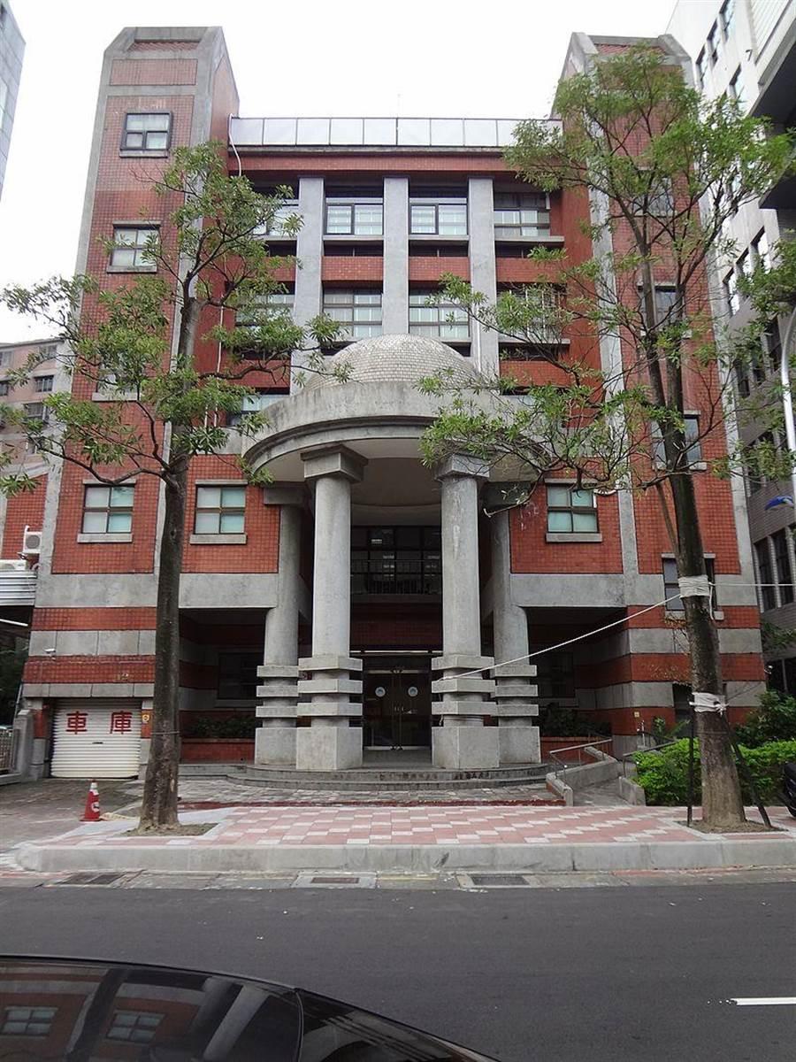 行政院基河大樓。(圖/取自維基百科,Solomon203提供)