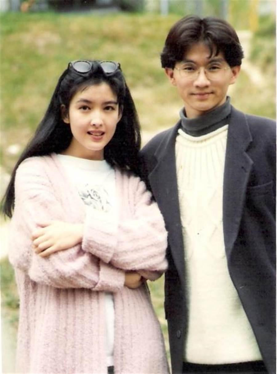 周慧敏(左)攜手林隆璇重現經典歌曲。(寬宏藝術/福茂唱片提供)