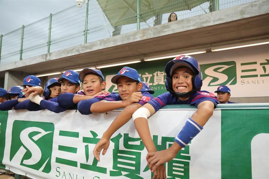 U12少棒賽中華隊複賽首場強碰韓國隊,第1局攻下6分大局。(中華棒協提供)