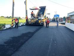 路燙平了!中市府改善海線大安區等道路品質