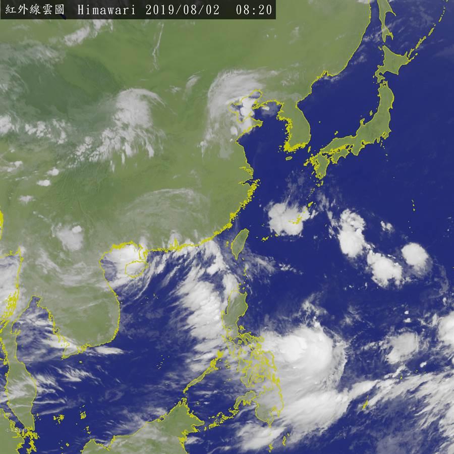 今年第8號颱風「范斯高」,最快今晚生成。(翻攝中央氣象局衛星雲圖)