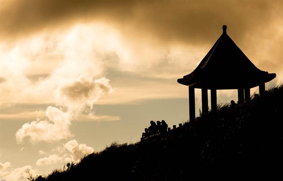 位於九份的「九份山城逸境」,能欣賞矗立在山巒間的絕倫風景,於飯店中享受被粉紅泡泡包圍的氣氛,在七夕情人節中,為旅客創造永恆的回憶。(Booking.com提供圖片來源:Garygogogo – 2012 from flickr)