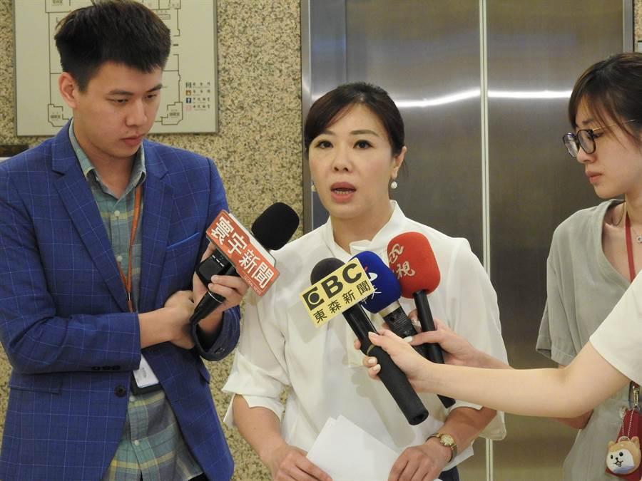 國民黨立委李彥秀上午接受媒體訪問。