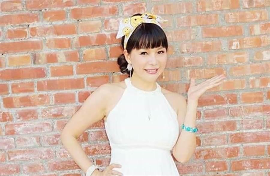 林玉紫曝露一年多婚姻亮起紅燈。(圖/林玉紫臉書)