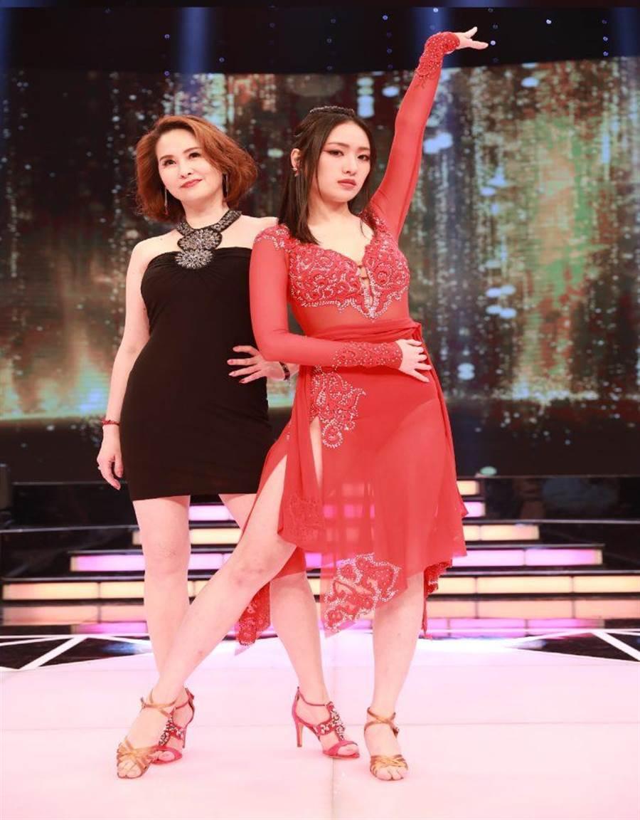 金友莊與女兒葛子楊(右)。(民視提供)